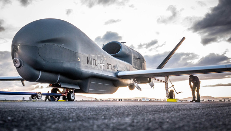 Consegnato il primo RQ-4D Global Hawk del Programma AGS