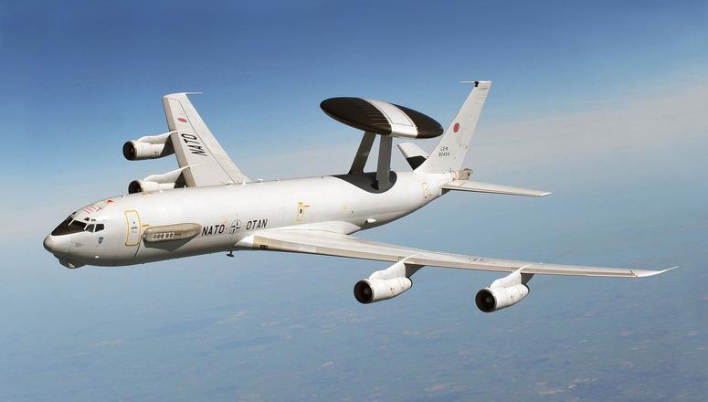 NATO: Boeing aggiorna la flotta AWACS