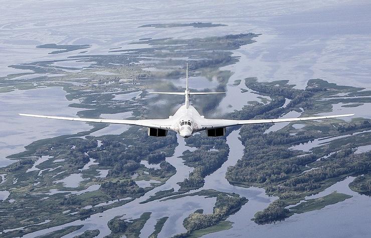 I bombardieri russi Tu-160 espandono le rotte operative sull Artico