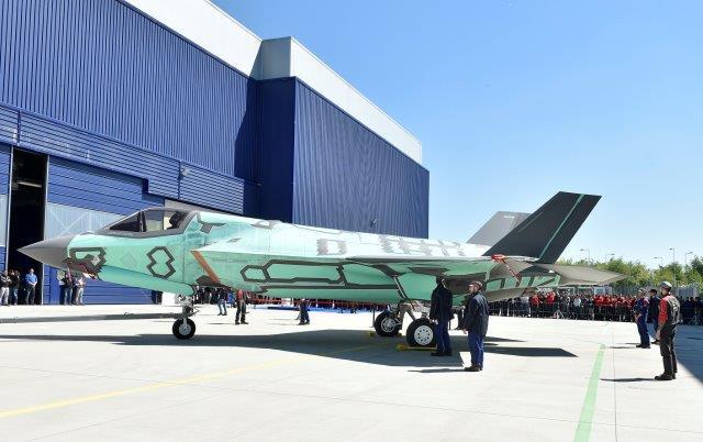 Roll-out per il primo F-35B assemblato in Italia