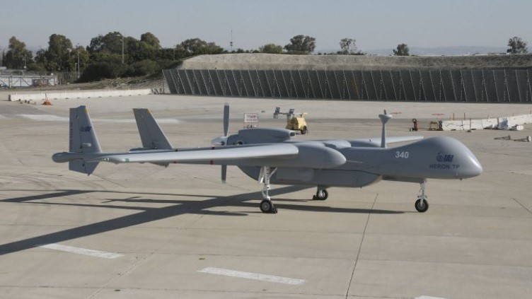 Berlino prende in leasing gli UAV Heron TP in attesa del drone europeo