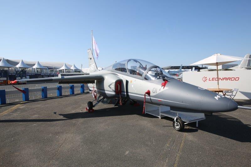 Debutta a Le Bourget l'addestratore Leonardo M-345