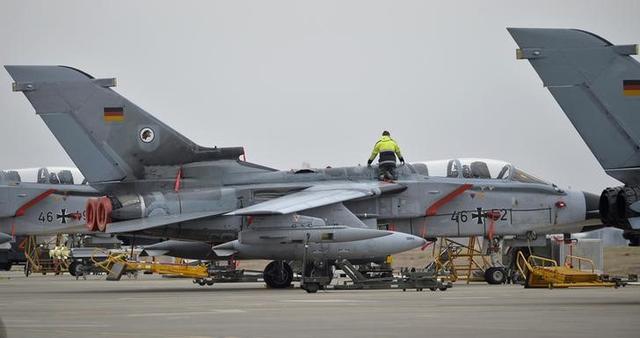 A Berlino costerà 9 miliardi mantenere in servizio i Tornado fino al 2030